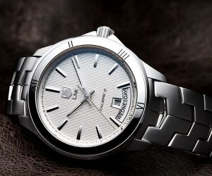 The sturdy fake TAG Heuer Link WAT2013.BA0951 watches are made from steel and stainless steel.