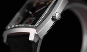 The durable fake TAG Heuer Monaco WAW131C.FC6419 watches are made from steel.