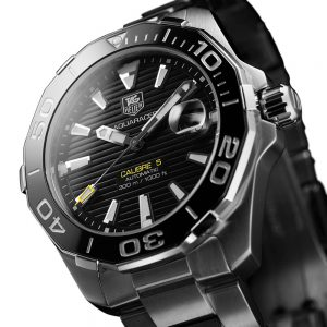 The 49 mm copy TAG Heuer Aquaracer WAY201A.BA0927 watches have black dials.