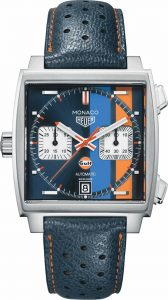 The comfortable fake TAG Heuer Monaco CAW211R.FC6401 watches have blue leather straps.
