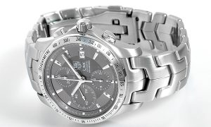 The 42 mm copy TAG Heuer Link CJF2115.BA0594 watches have grey dials.