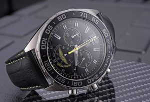 The 43 mm copy TAG Heuer Formula 1 CAZ101P.FC8245 watches have black dials.
