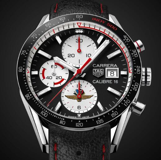 The red elements on the dial make the timepiece more dynamic.