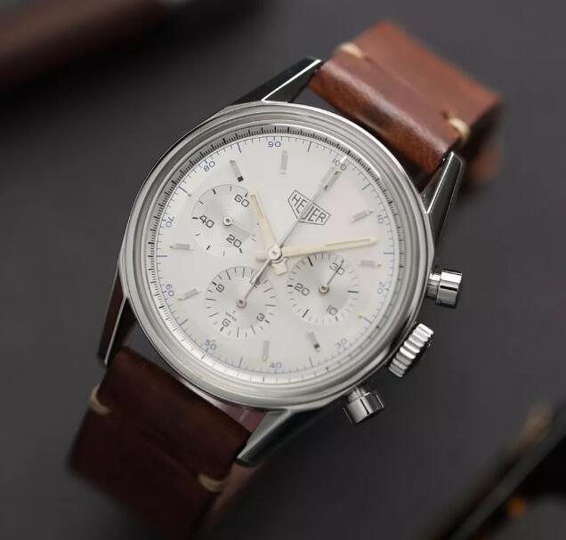 The brown leather strap and silver dial sport a distinctive look of retro style.