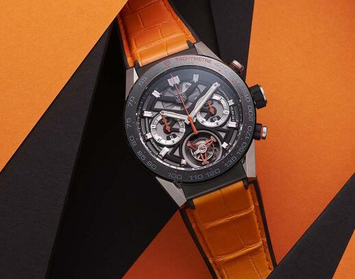 The skeleton dial allows us to enjoy a part of the movement.