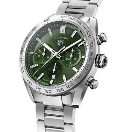 The TAG Heuer Carrera CBN2A10.BA0643 looks dynamic and charming with the green dial.