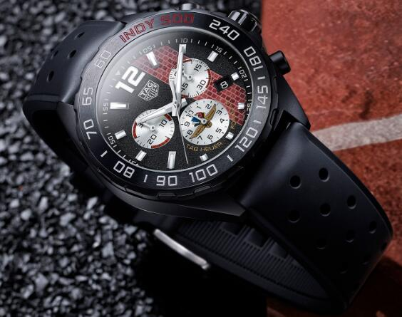 Many elements on the watch embody the close relationship with Indy 500.