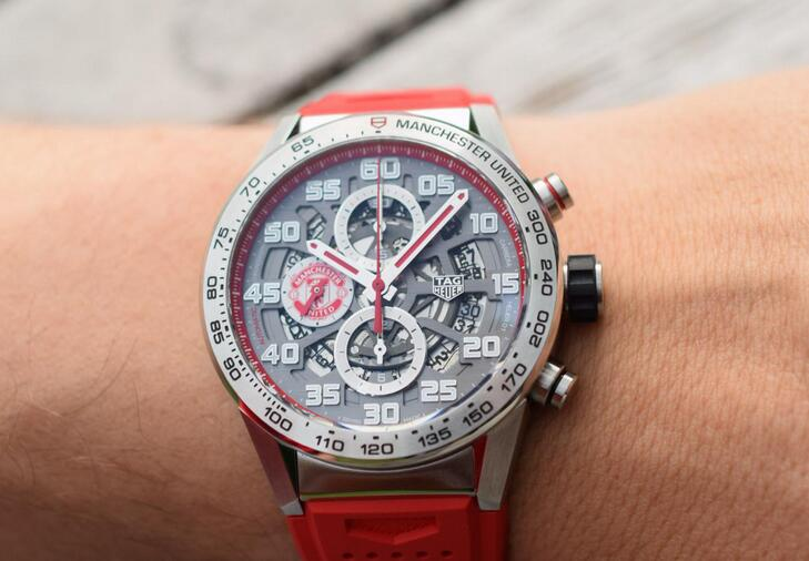 Best fake watches are shiny for the red color.