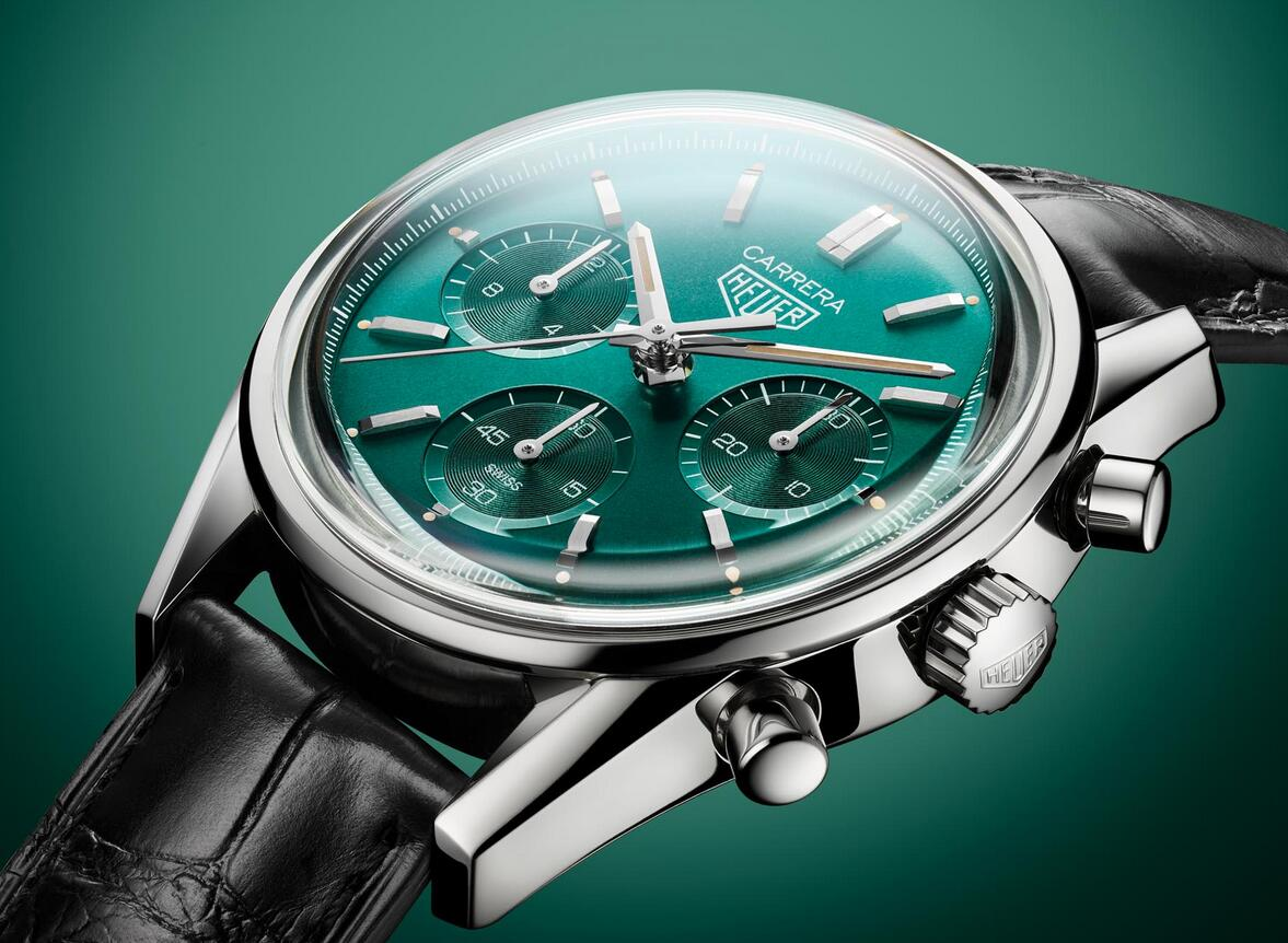 AAA replica watches are new for the green color.