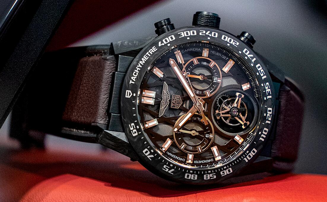 AAA replica watches become exquisite for the mechanical parts from the skeleton dials.